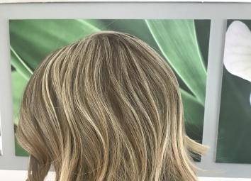 Vanity Style Parrucchiera2E16A5BB-711D-4DBB-85E8-15D074DD173C